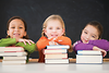 Cùng gia sư Đức Minh dạy trẻ chưa đủ tuổi đến trường cách đọc sách