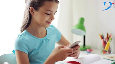 Những điều cha mẹ cần biết khi cho con sử dụng điện thoại từ nhỏ