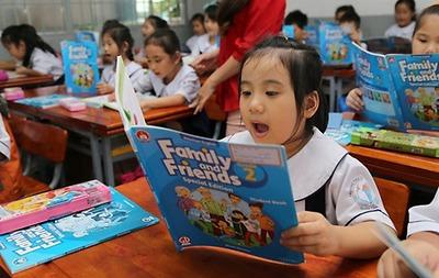 Nên hay không mua sách tham khảo cho học sinh tiểu học